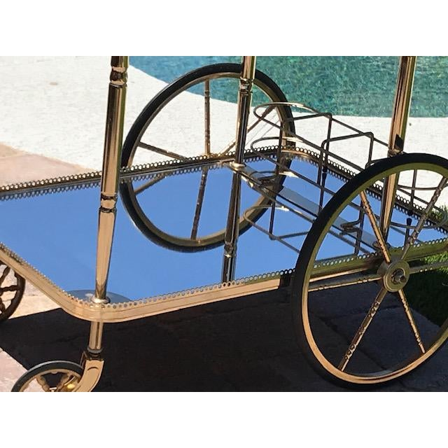 Mid Century French Hollywood Regency Brass Bar Cart W/ Mirrored Trays For Sale - Image 4 of 12