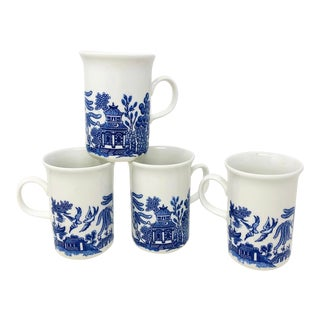 Vintage Blue Willow Coffee Mugs - Made in England - Set of 4 For Sale