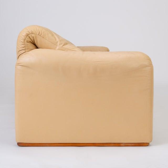 "Leather ""Maralunga"" Sofa by Vico Magistretti for Cassina For Sale - Image 10 of 12"