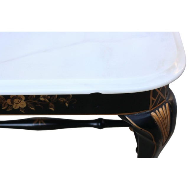 1980s Drexel Chinoiserie Black & Gold Side Table Pair With White Marble Tops, a Pair For Sale - Image 5 of 10