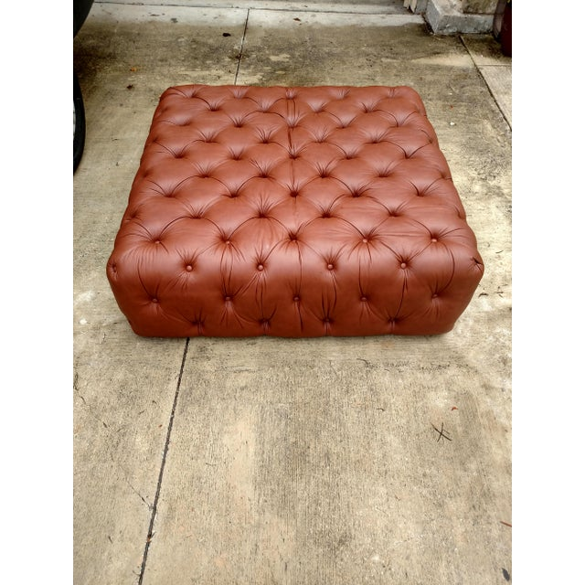 English Traditional Gambrell Renard Tufted Leather Ottoman For Sale - Image 3 of 5