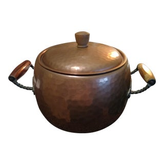Vintage Stockli Nestal Large Swiss Hammered Copper Pot With Lid and Handles For Sale