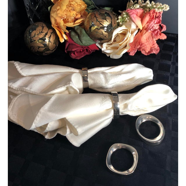 Mid 20th Century Set of 4 Silver Plate Modernist Sculptural Napkin Rings Vintage For Sale - Image 5 of 10