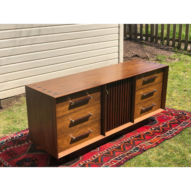 Mid-Century Modern 1970s Mid Century Lane 'Tower Collection' Rosewood Credenza For Sale - Image 3 of 13