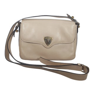 1980s Bottega Veneta Cream Crossbody Bag With Adjustable Strap For Sale