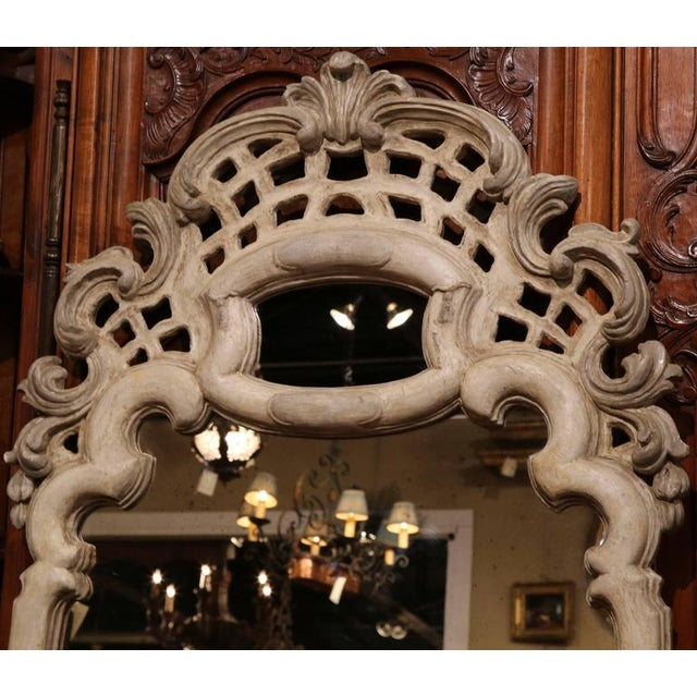 Early 20th Century Italian Carved Painted Mirror With Antiqued Glass For Sale In Dallas - Image 6 of 7