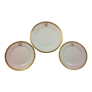 Cauldon South Africa Presidential Old Coat of Arms Dinnerware Plates - Set of 3 For Sale