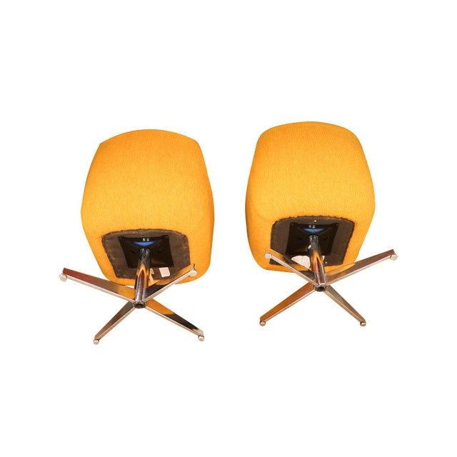 Metal Yellow Gold Pair Mid Century Swivel Barrel Chairs Steelcase For Sale - Image 7 of 9