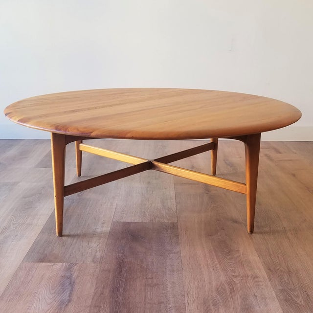 Mid-Century Modern Mid-Century Modern Round Maple Coffee Table For Sale - Image 3 of 11