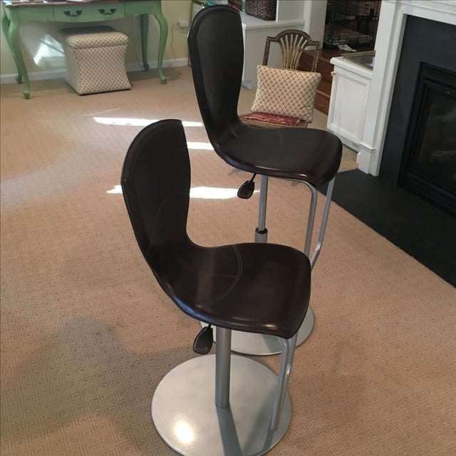 Brown Leather Adjustable Stools - a Pair - Image 3 of 11