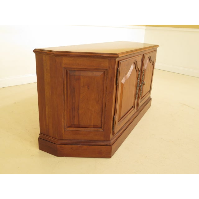 Item: F44783EC: ETHAN ALLEN 2 Door Cherry Media Cabinet Console Age: Approx: 20 Years Old Details: Raised Panel Doors...