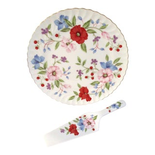 1980s Victorian Floral Porcelain Cake Plate with Server - 2 Pieces For Sale