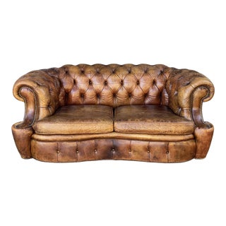 English Chesterfield Sofa of Tufted Leather For Sale