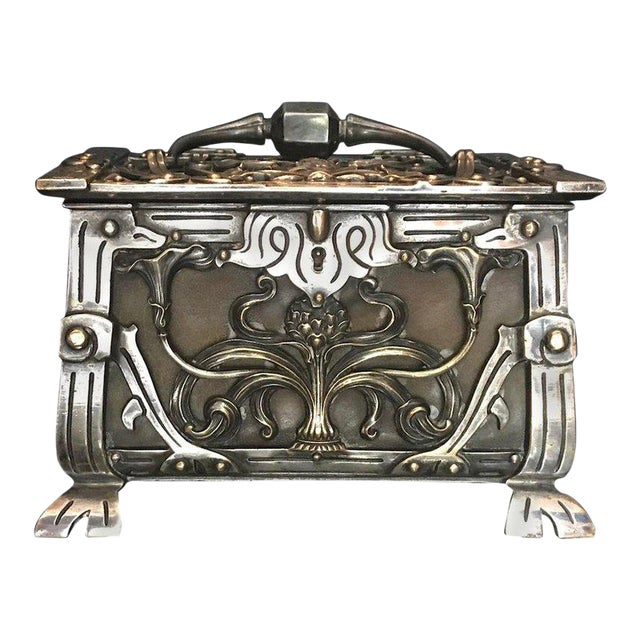 20th Century Art Nouveau Silvered Heavy Bronze Jewelry Box Casket For Sale