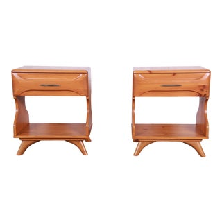 Franklin Shockey Mid-Century Modern Solid Pine Nightstands - a Pair For Sale