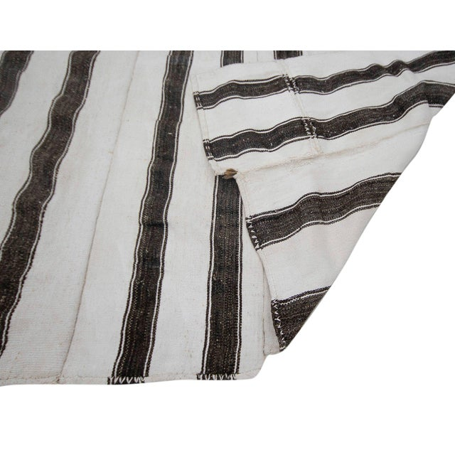 Mid 20th Century Mid 20th Century Oversized White & Gray Vintage Kilim Rug For Sale - Image 5 of 7