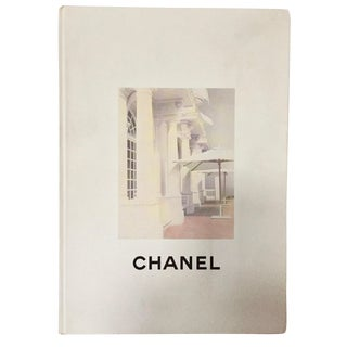 Chanel Boutique - Collection Crosiere 1995-1996 Chanel - Karl Lagerfeld Published by Chanel Societe, 1995 For Sale