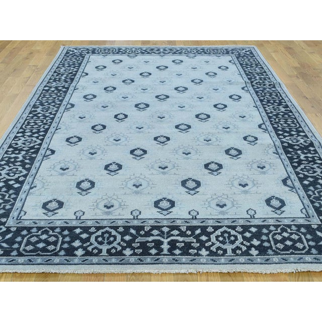 Modern Hand-Knotted Wool Turkish Knot Oushak Cropped Rug- 9′2″ × 11′10″ For Sale - Image 3 of 12