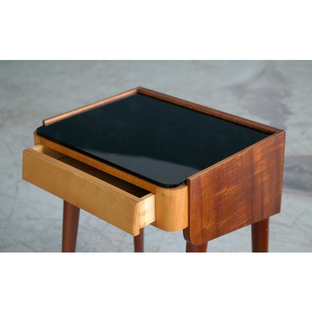 1960s Pair of Danish Midcentury Nightstands in Teak and Elm With Black Glass Top For Sale - Image 5 of 11
