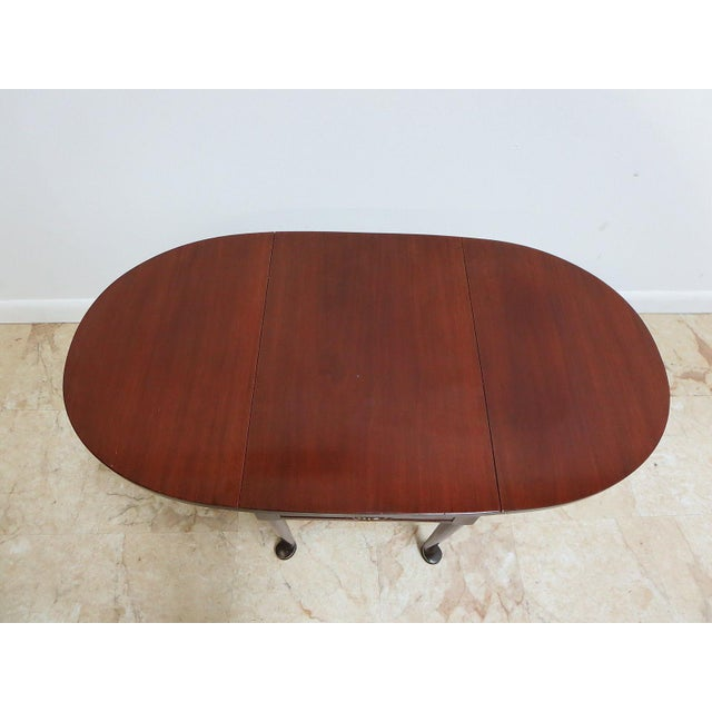 Queen Anne Cherry Queen Anne Gate Leg Drop Leaf Table For Sale - Image 3 of 11