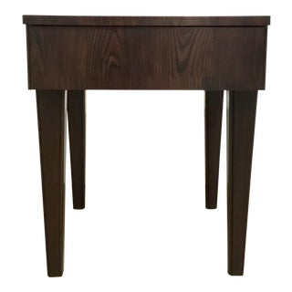 Thomas O'Brien for Hickory Chair Dark Walnut Wood Finished Accent Table For Sale