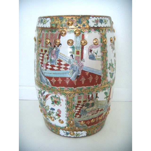Bright and colourful Cantonese export 'Qian Long' chopped period porcelain garden seat in barrel form. Beautifully hand...