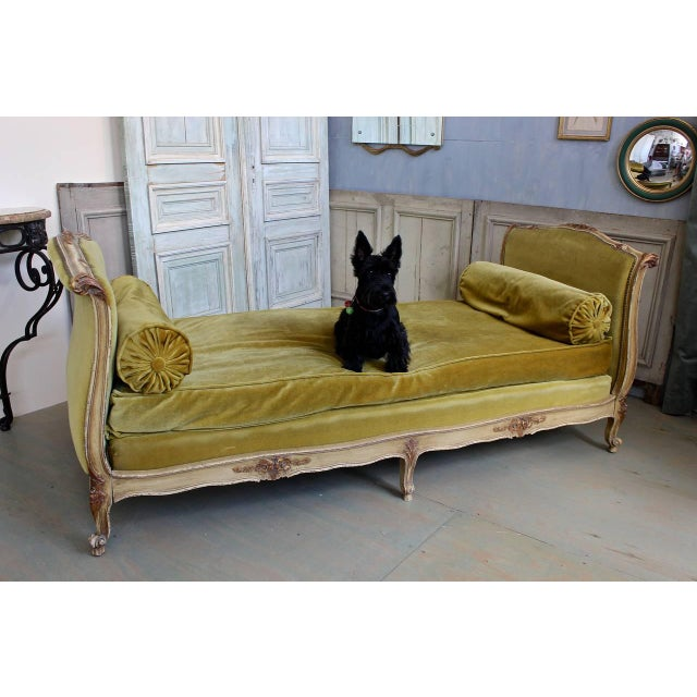 Green French Early 20th Century Louis XV Style Daybed For Sale - Image 8 of 10
