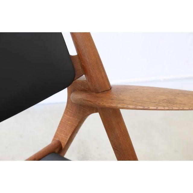 Animal Skin Hans J. Wegner Danish Modern Sawbuck Chair Ch28 For Sale - Image 7 of 9