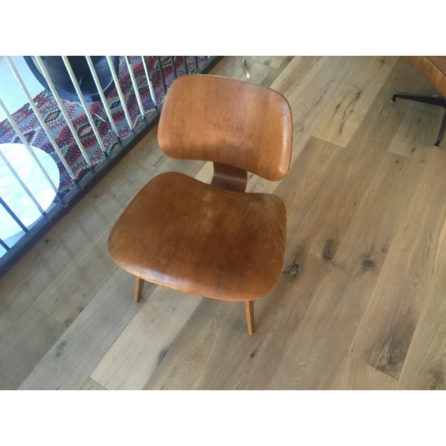 Mid-Century Modern Eames LCW 1948 Evans Production Chair For Sale - Image 3 of 4