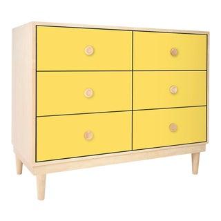 Lukka Modern Kids 6-Drawer Dresser in Maple With Yellow Finish For Sale
