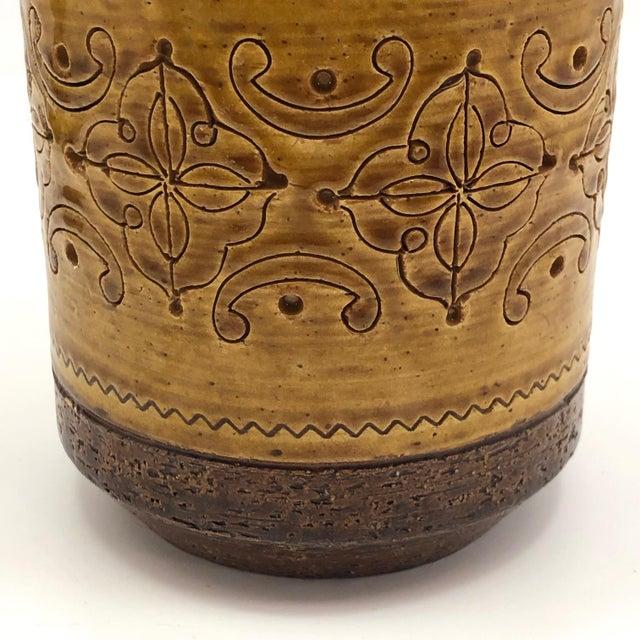 "Aldo Londi for Bitossi Mid-Century ""Spagnolo"" Brown and Mustard Vase For Sale In Boston - Image 6 of 13"