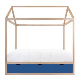 Image of Contemporary Four Poster and Canopy Beds
