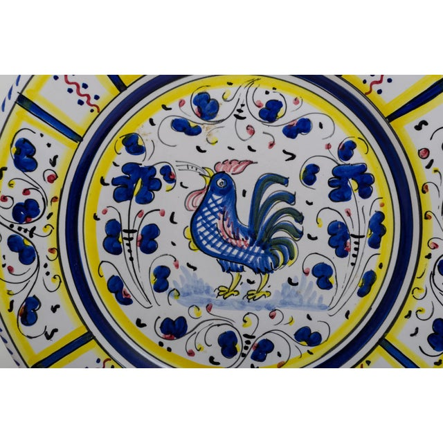 Italian Vintage Hand-Painted Deruta Maiolica Rooster Plates - a Pair For Sale - Image 3 of 9