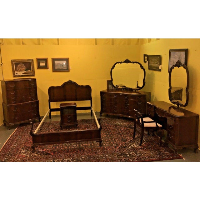 Buying Bedroom Furniture: Antique 1930's Colonial Revival Flame Mahogany Bedroom Set
