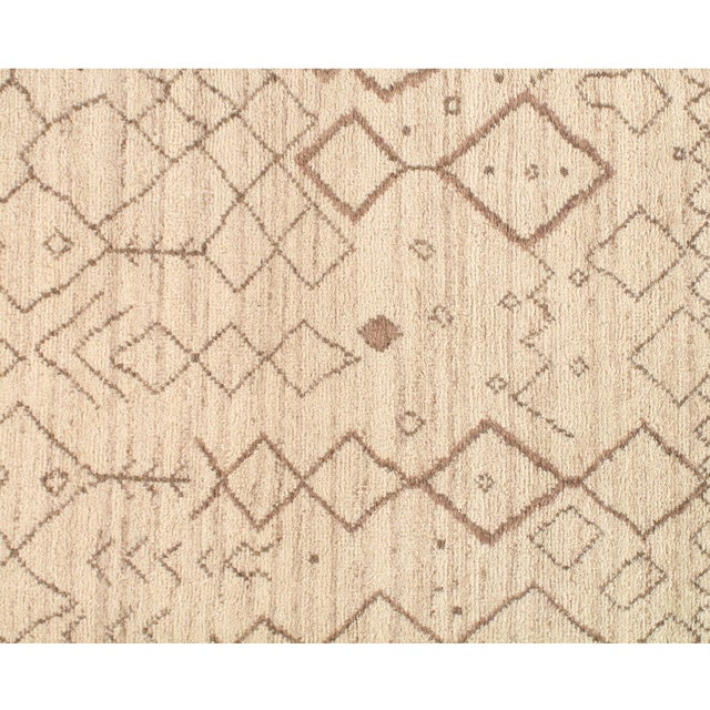Genuine Fine Moroccan rug Very Decorative The modern style of this rug will give your room a contemporary accent. 100%...