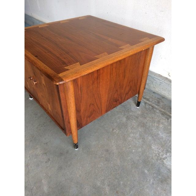 Mid-Century Lane Acclaim Side Table - Image 4 of 6