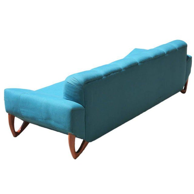 Mid-Century Modern Sofa in the Manner of Adrian Pearsall For Sale - Image 5 of 8