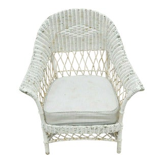 Early 20th Century Antique Victorian Wicker Rattan Sunroom Patio Lounge White Arm Chair For Sale