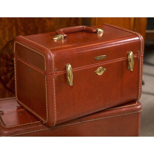 fine vintage samsonite deco leather three piece suitcase. Black Bedroom Furniture Sets. Home Design Ideas