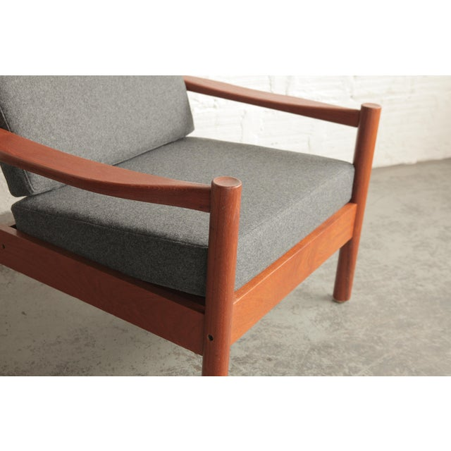 Mid-Century Modern Vintage Mid Century Grey Lounge Chair For Sale - Image 3 of 7