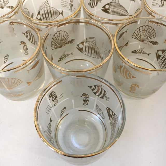 Gold Vintage 1960's Libbey Frosted and Gold Sealife Old Fashioned Glasses in Caddy - Set of 8 For Sale - Image 8 of 9