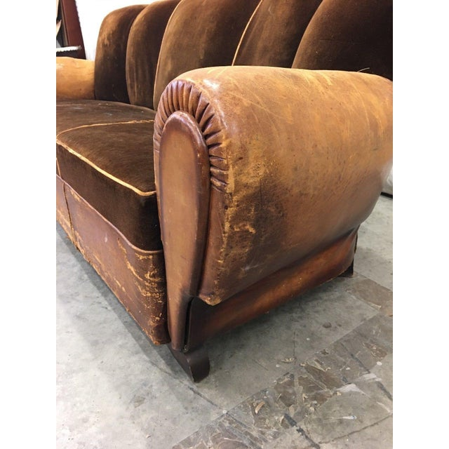 Art Deco 1930's French Art Deco Leather & Mohair Club Sofa For Sale - Image 3 of 10
