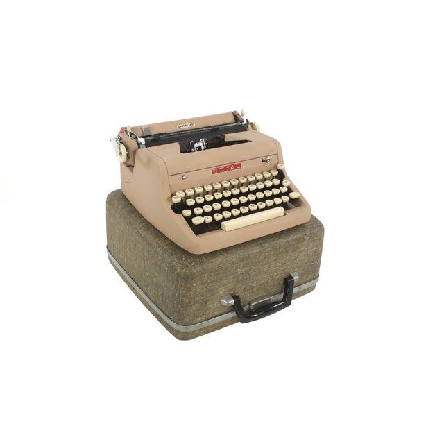 Royal Quiet DeLuxe Typewriter - Image 6 of 7