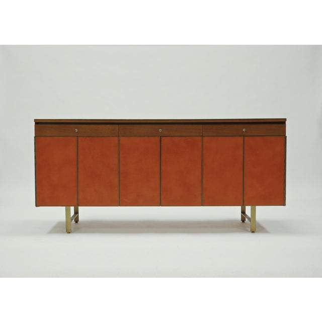 Mid-Century Modern Credenza in Orange leather and Mahogany by Paul McCobb for Calvin For Sale - Image 3 of 11
