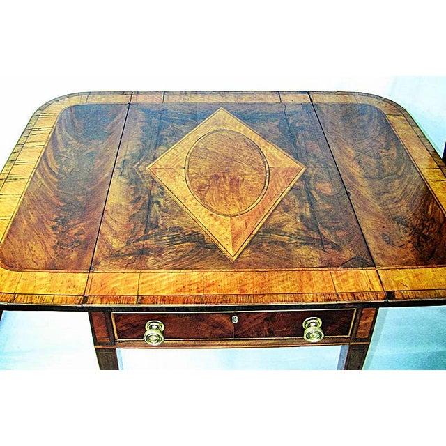 18c Sheraton Period George III Pembroke Table For Sale - Image 4 of 7