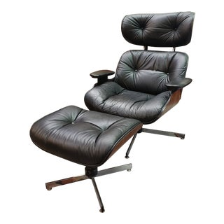 Selig Mid-Century Modern Eames Style Lounger and Ottoman For Sale