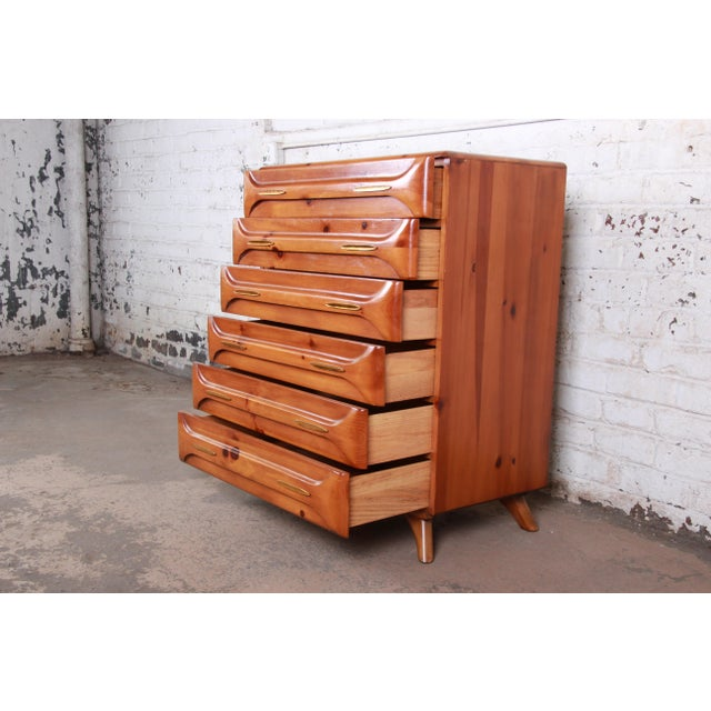 Wood Franklin Shockey Rustic Modern Sculptured Pine Highboy Dresser C. 1950s For Sale - Image 7 of 10