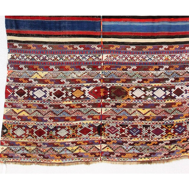 19th Century Antique Turkish Kilim Rug- 4′4″ × 7′8″ For Sale In Los Angeles - Image 6 of 6