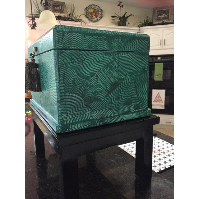 1960s Vintage Faux Malachite Box For Sale - Image 4 of 9