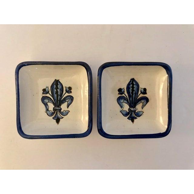 Vintage Blue White Italian Pottery Fleur De Lis Dishes- a Pair For Sale - Image 4 of 4